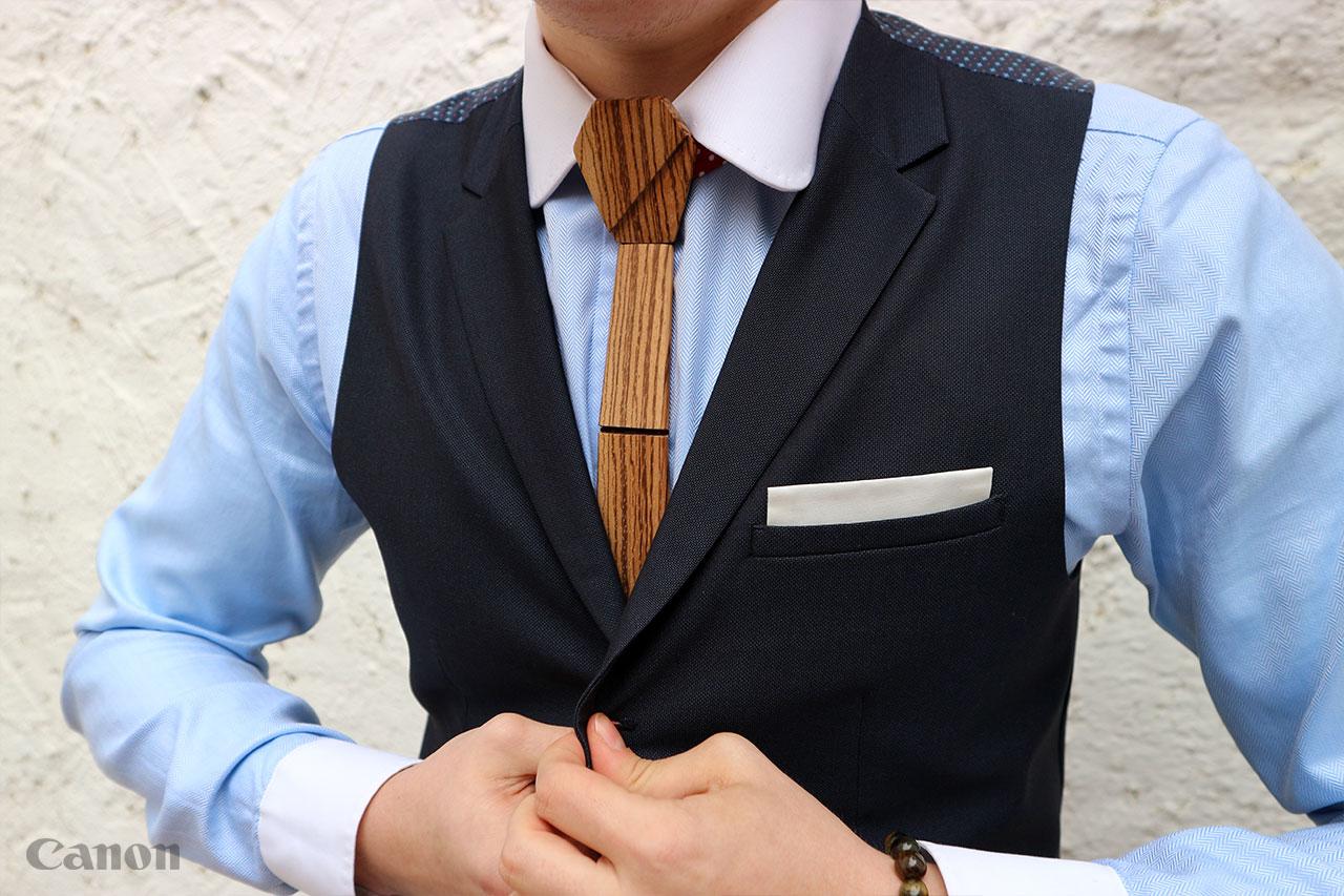 Před pár týdny jsem obdržel nabídku recenze na dřevěnou kravatu od firmy  Oriwood. Mile rád jsem ji přijal 5069d87f38